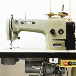 Needle feed, flat bed industrial sewing machine rental in London