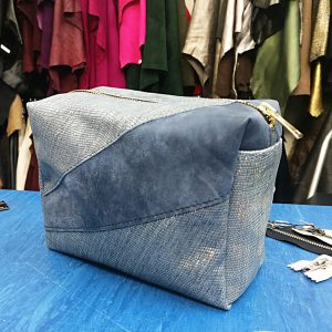 THE LONDON LEATHER WORKSHOP - split T shape make up bag